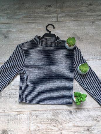 Sweterek typu crop top