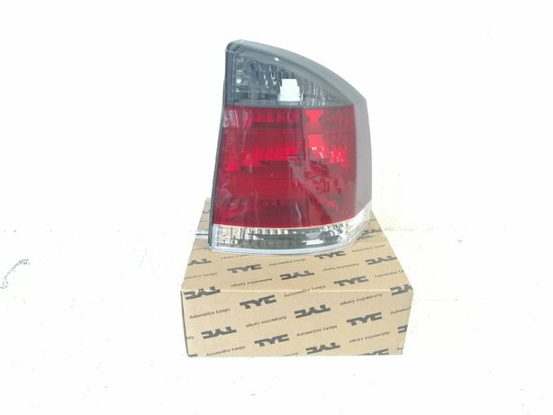 OPEL VECTRA C 02- lampa tylna tył prawa