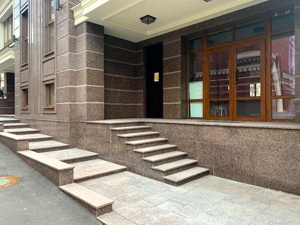 Продам нежилое помещение 169,7 м2 (1 этаж) КД Тургенев Тургеневская 2