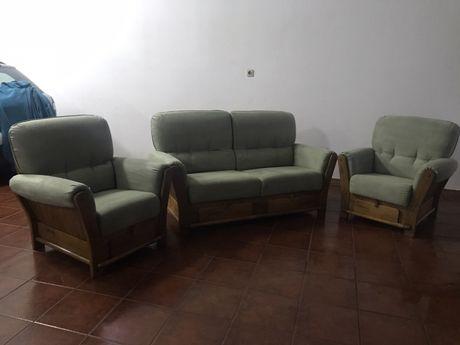 Terno de sofás tecido e madeira
