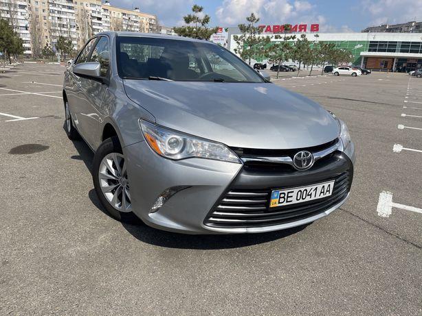 Продам автомобиль Toyota Camry.