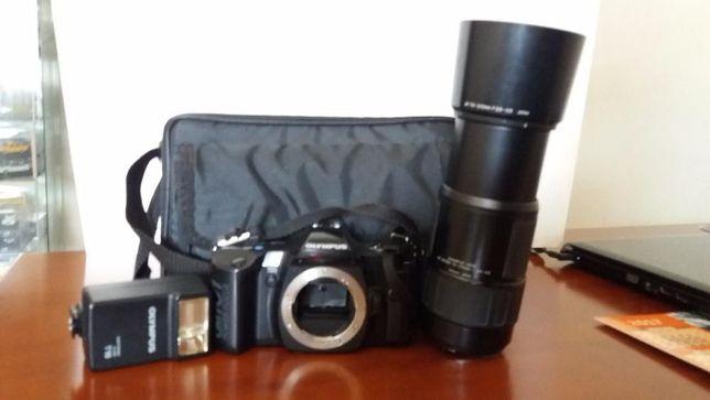 Máquina fotográfica Olimpus OM 101