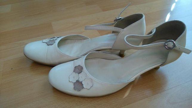 Buty Ryłko skóra białe wesele jak nowe raz założone ślubne 37