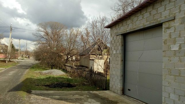 Дом+большой гараж на 2 грузовых авто+8 соток