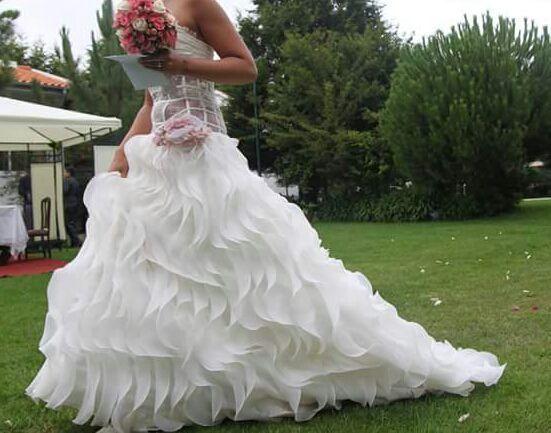 Vestido de noiva dou saiote modelo único lindíssimo super original