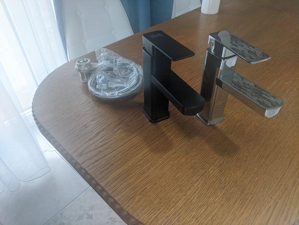 Кран для умивальника квадратний чорний