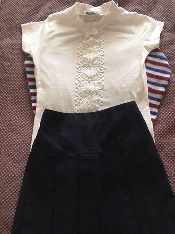 Продам одежду для школьницы