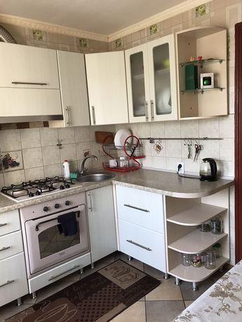 Продам 3_х кімнатну квартиру в центрі міста.