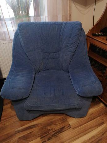 Fotele w kolorze niebieskim
