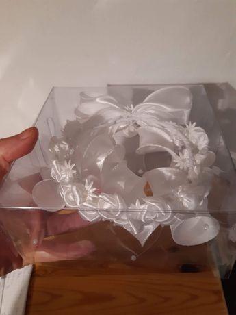 wianek na koka bialy piękny
