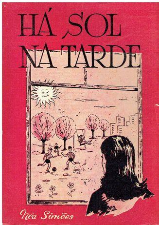 11766  Há Sol Na Tarde -  de Néa Simões / Autografado