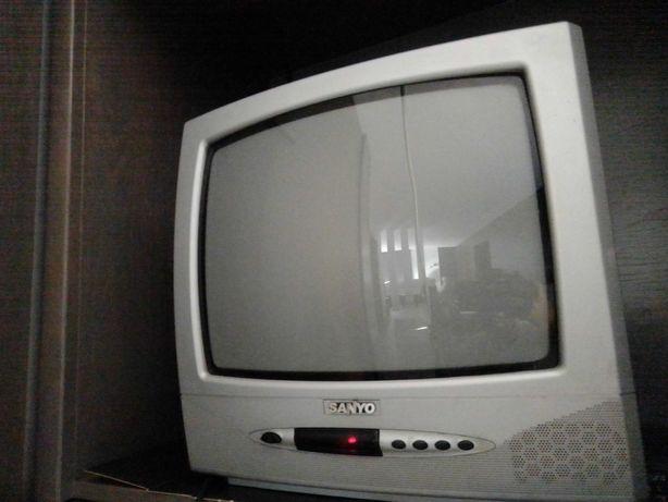 TV Sanyo 36cm barato
