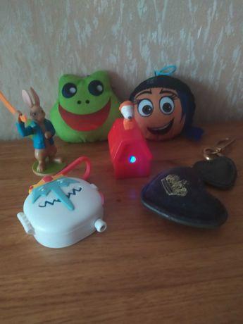 Іграшки Макдональд з і багато інших.