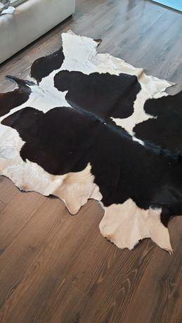 Продам шкуру коровы черно белую
