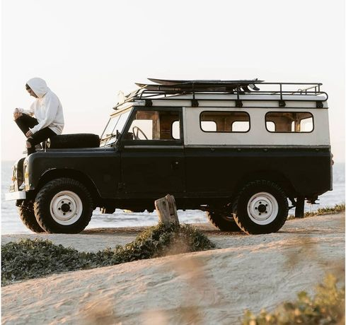 2 Land rovers 109