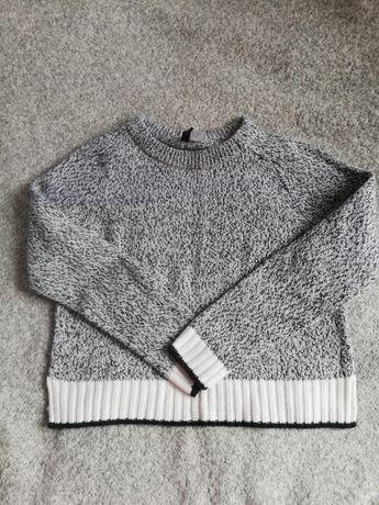 Szary sweter z HM