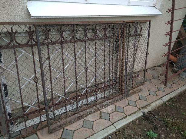 Продам металлические заборные секции уголок 25 плюс  оцинкованая сетка