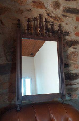 Espelho antigo de quarto
