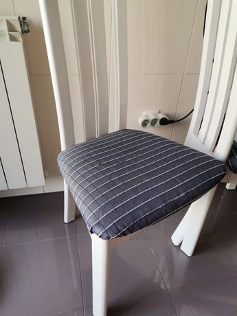 Cadeira c/ capa de protecção - disponíveis 4