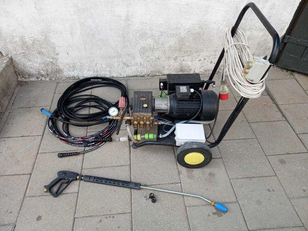 Myjka wysokociśnieniowa 3 fazowa  150bar  15L/min  900L/godzinę