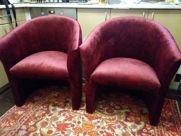 Перетяжка стульев, пуфиков, пошив декоративных подушек