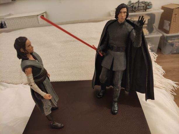 Star Wars Kylo And Rey Figure Actions
