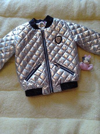 Стильная курточка для модницы 6-7 лет состояние новой вещи