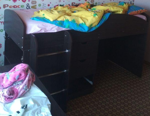 Ліжко-горище Компаніт