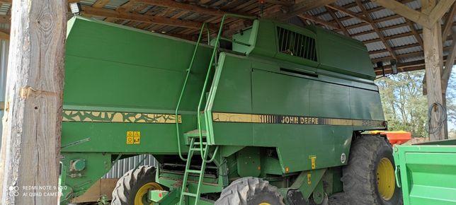 Kombajn zbożowy John Deere 2064