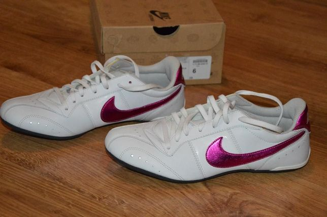 Buty Nike białe damskie rozmiar 39 NOWE wkładka 25cm