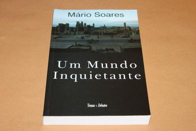 Um Mundo Inquietante de Mário Soares