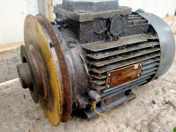 0,4кв 700/ 0,6кв 940 электродвигатель електродвигун для швейной машины