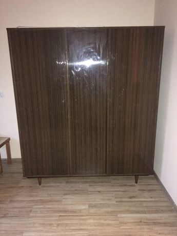 Szafa 3-drzwiowa