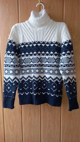 Теплый свитер.Турция 134/146 р.