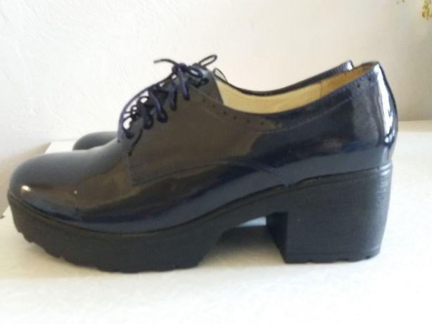 Туфли темно-синие лак/кожа р.38