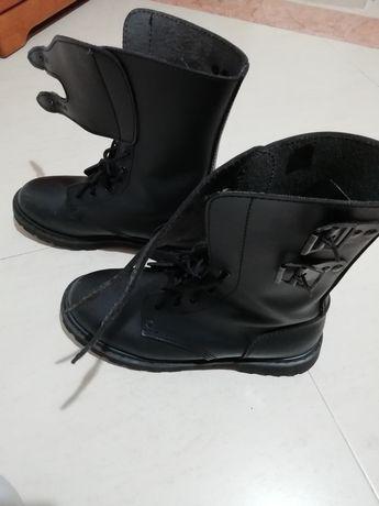 Botas estilo militar ou motard