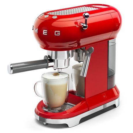 Кофемашина-эспрессо, кавоварка Smeg ECF01RDEU