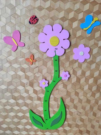 Miarka wzrostu- różowy kwiat plus owady