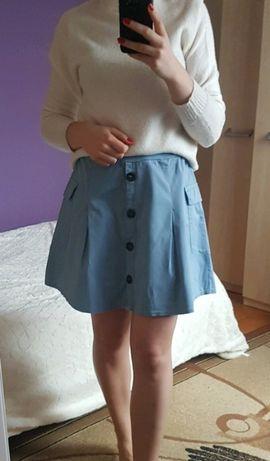Pastelowa spódnica M z paskiem i guzikami