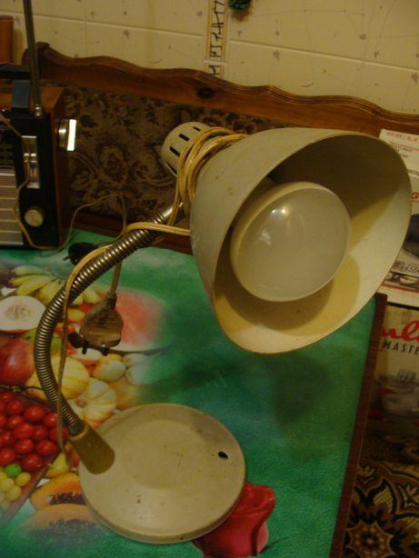 Настольная лампа времён СССР в хорошем состоянии рабочая, Харьков