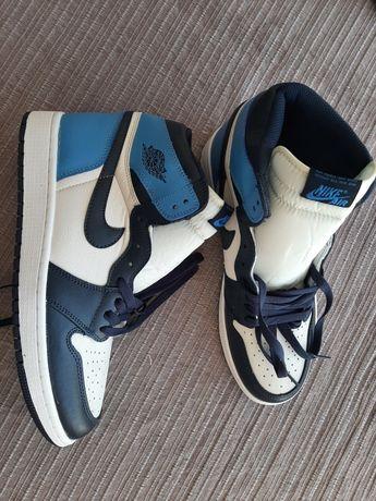 Nike Jordan 1 Retro High Obsidian