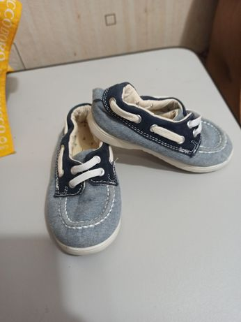 Обувь на мальчика H&M