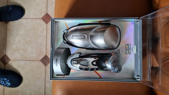 Продам электро бритву Philips hq 9100