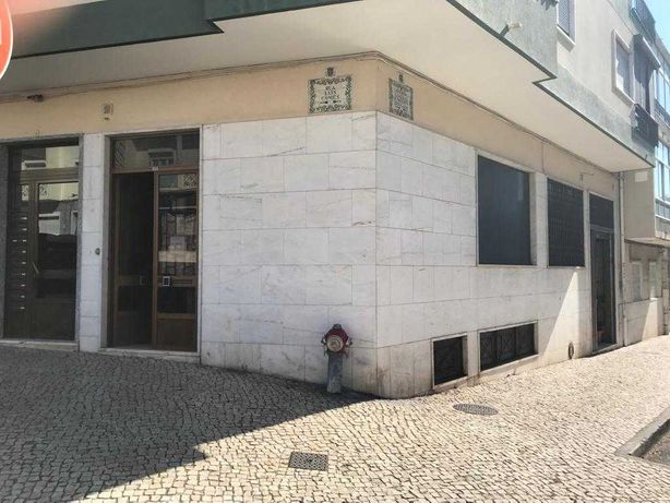 Loja na Amadora - Ruis Luís Gomes/Humberto Delgado