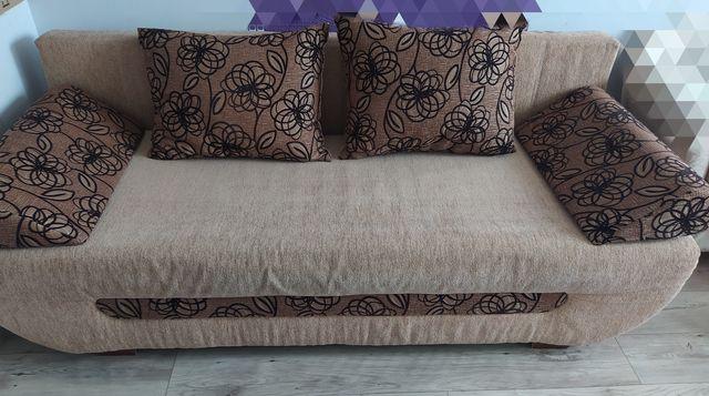 Rozkładana dwuosobowa kanapa sofa