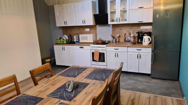 Kwatery / Pokoje / Noclegi / mieszkania pracownicze / krótkoterminowe