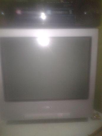 продам телевизор СОНИ 900 руб