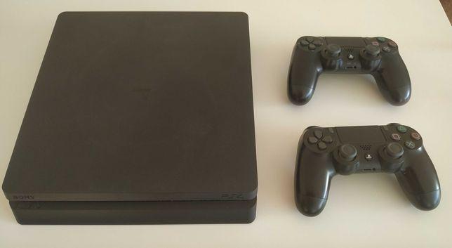 PS4 Slim 500Gb + 2 comandos + 8 jogos