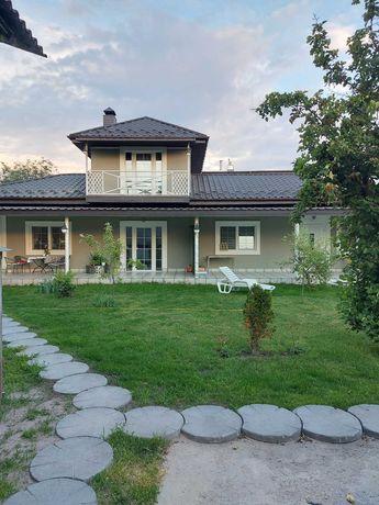 Продам дом на Русановских садах 200 м2, в уютном месте,8 линия