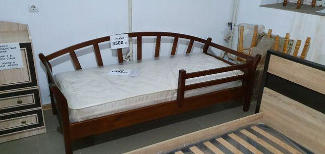 фабричне дерев'яне ліжко (різні розміри і моделі)